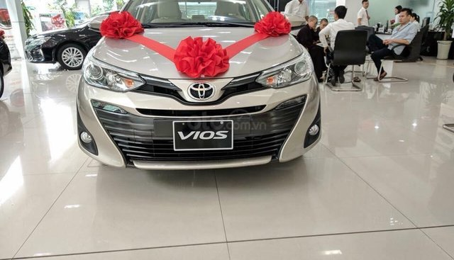 Bán Toyota Vios G đời 2019, màu vàng, giá 569 triệu