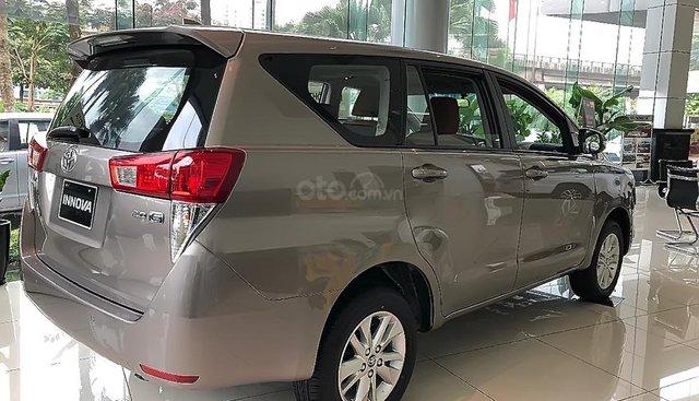 Bán xe Toyota Innova E MT đời 2019, màu xám