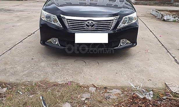 Bán xe Toyota Camry 2.5Q sản xuất năm 2013, màu đen chính chủ