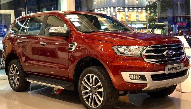 Ford Everest Titanium đời 2019, màu đỏ, nhập khẩu