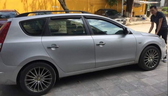 Bán ô tô Hyundai i30 sản xuất năm 2009, màu bạc, xe nhập, Đk 2009