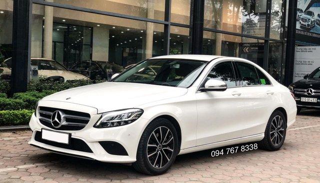 Cần bán gấp Mercedes C200 2019 màu trắng, chính chủ biển đẹp giá cực tốt