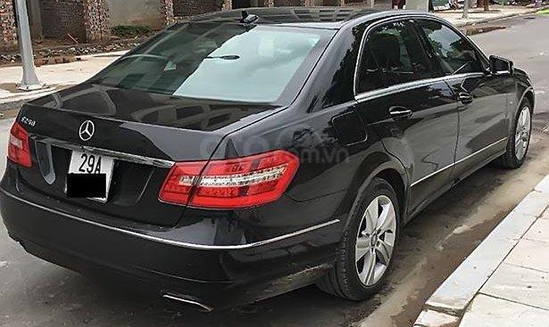 Bán Mercedes E250 đời 2012, màu đen, chính chủ