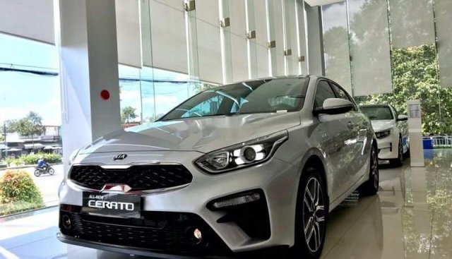 Bán Kia Cerato Deluxe 1.6L sản xuất năm 2018, màu bạc