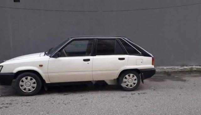 Bán ô tô Toyota Corolla 1984, màu trắng, máy ngon, điều hoà mát