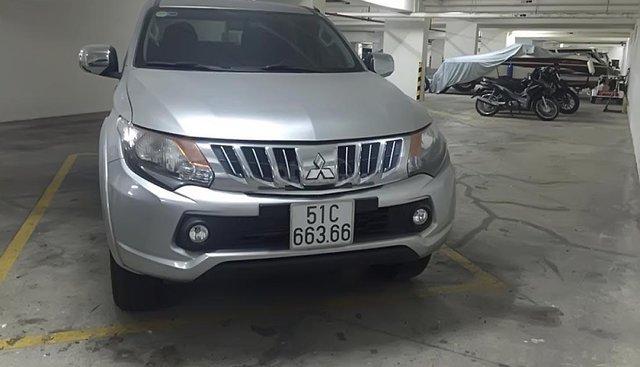 Cần bán gấp Mitsubishi Triton 4x2 AT năm sản xuất 2015, màu bạc, xe nhập số tự động