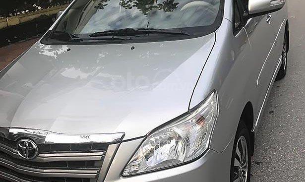 Bán Toyota Innova 2.0E năm 2015, màu bạc chính chủ, 552 triệu