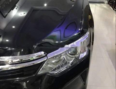 Bán Toyota Camry 2.0E 2017 còn mới 95%, màu đen