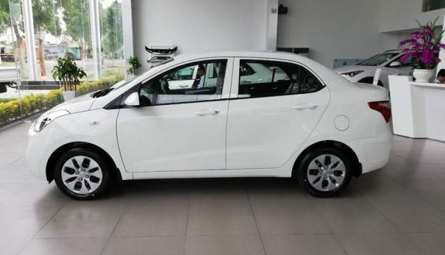 Bán ô tô Hyundai Grand I10 MT sản xuất 2019, màu trắng, xe có sẵn giao ngay