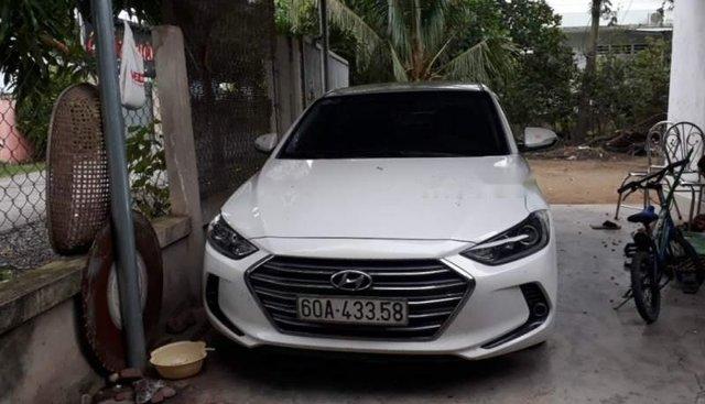 Bán Hyundai Elantra 2017, màu trắng, nhập khẩu