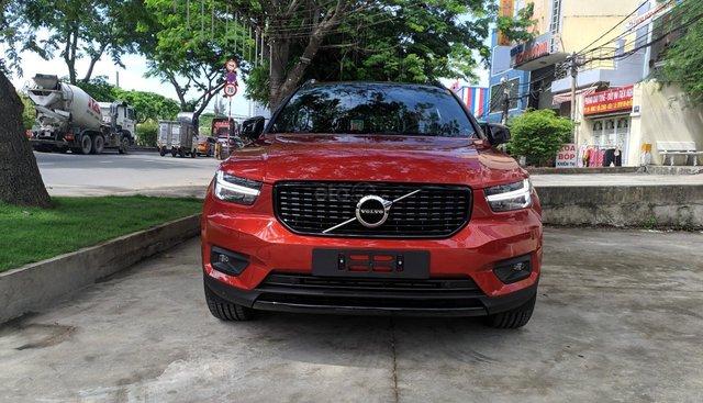 Volvo XC40 nhập khẩu chính hãng, nhiều màu, giao xe ngay