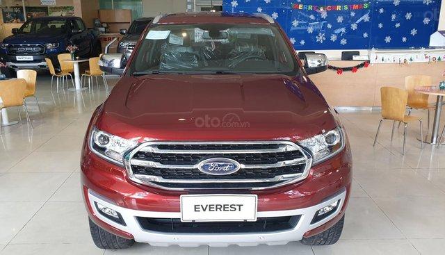 Ford Everest đủ màu, giao ngay, giảm giá tiền mặt lên đến 50tr và nhiều chương trình ưu đãi khác
