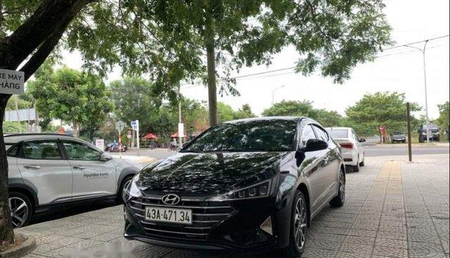 Cần bán xe Hyundai Elantra 2019, màu đen, 580 triệu