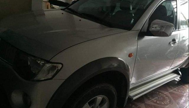 Bán Mitsubishi Triton đời 2009, màu bạc, nhập khẩu