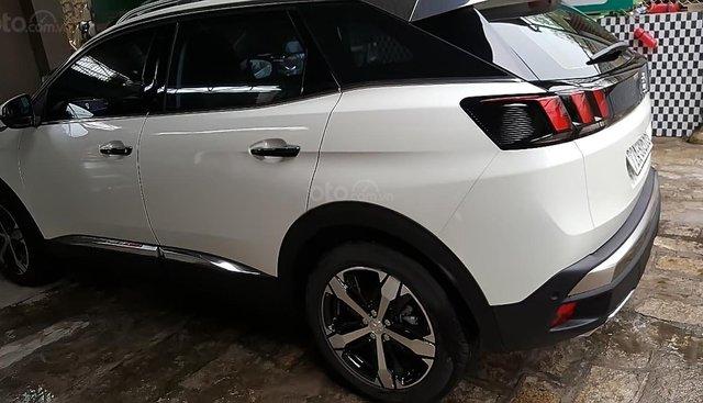 Cần bán lại xe Peugeot 3008 sản xuất 2018, màu trắng, đăng ký tháng 01/2019