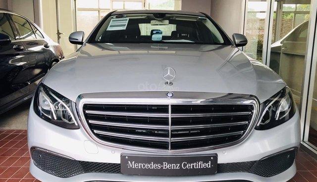 Bán xe ô tô Mercedes E200 2017 siêu lướt, bán chính hãng
