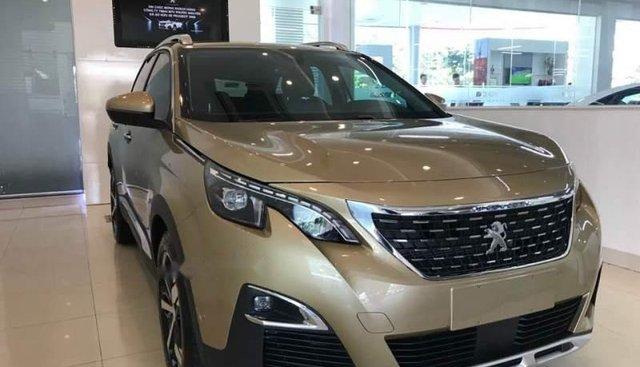 Bán xe Peugeot 3008 2019, màu vàng, nhập khẩu, giao xe nhanh
