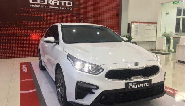 Bán xe Kia Cerato 2019, màu trắng, 559tr