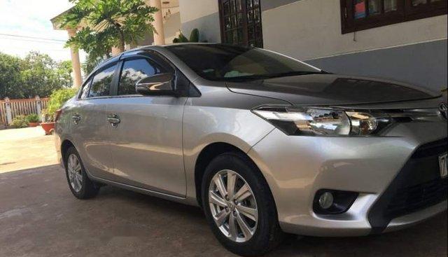 Bán gấp Toyota Vios E sản xuất năm 2016, xe gia đình