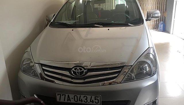Bán ô tô Toyota Innova J sản xuất năm 2008, màu bạc còn mới, xe gia đình ít đi