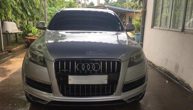 Bán Audi Q73.6 AT 2010, màu bạc, xe nhập từ Đức
