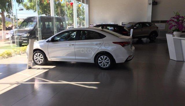 Bán Hyundai Accent 2019, màu trắng đầy đủ các phiên bản giá tốt Tùng 0914700330