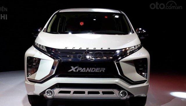 Mitsubishi  Xpander Tại Huế 7 chỗ, màu trắng, nhập khẩu nguyên chiếc