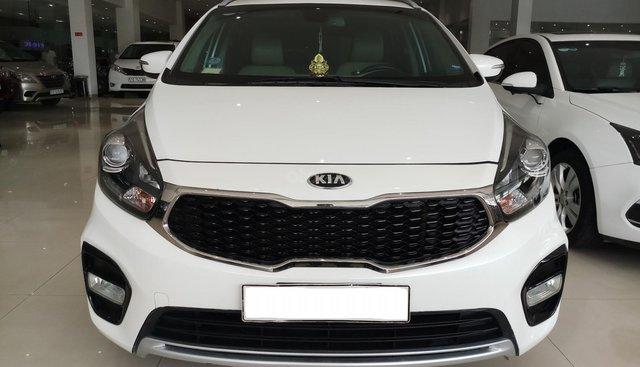 Cần bán Kia Rondo năm 2017, màu trắng, số tự động
