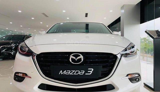 Cần bán Mazda 3 1.5 SD 2019, màu trắng giá cạnh tranh