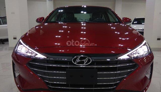 Bán Hyundai Elantra mới 2019 chỉ 200tr, trả góp vay 80%, LH 0947.371.548