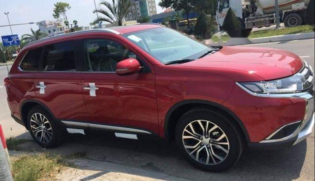 Bán xe Mitsubishi Outlander sản xuất năm 2019, màu đỏ