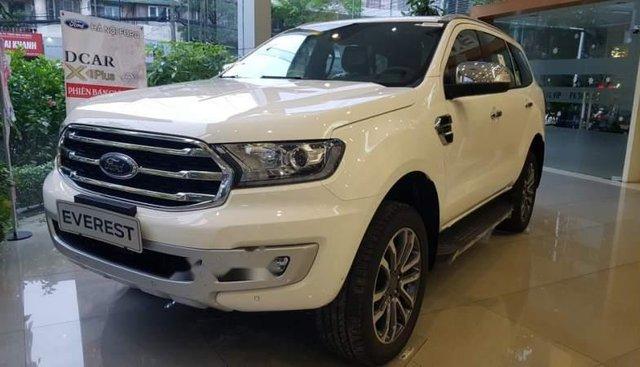Bán Ford Everest Titanium đời 2019, màu trắng, nhập khẩu