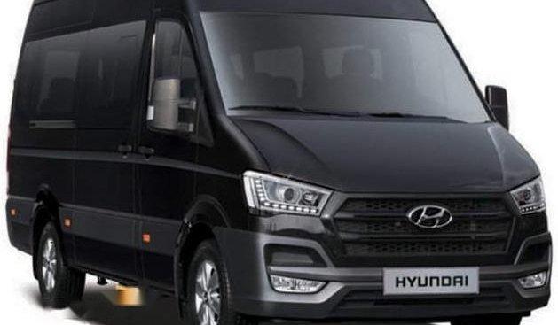 Bán xe Hyundai Solati năm 2019, màu đen, xe nhập