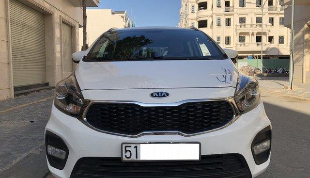 Cần bán xe Kia Rondo model 2018, màu trắng
