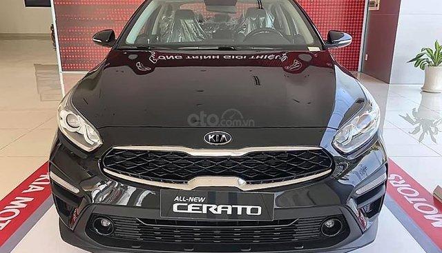Bán xe Kia Cerato 1.6MT đời 2019, màu đen