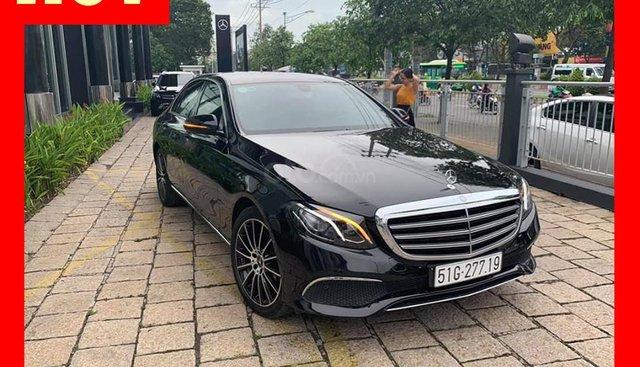 Bán xe Mercedes E200 màu nâu đời 2017 cũ chính hãng. Trả trước 750 triệu nhận xe ngay