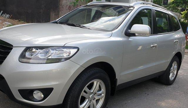 Bán Hyundai Santa Fe máy xăng 2.4 ĐK 2011 SX 2010, màu bạc, số tự động, nhập khẩu, mới 90%