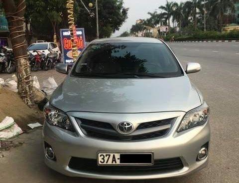 Bán ô tô Toyota Corolla altis năm sản xuất 2011, màu bạc, xe đẹp, không bị lỗi