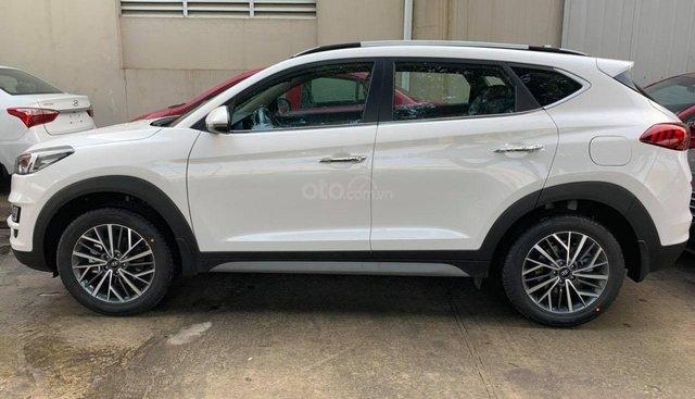 Bán Tucson 2019 mẫu mới, xe có sẵn giao xe nhanh, ưu đãi hấp dẫn, hỗ trợ toàn bộ thủ tục giấy tờ