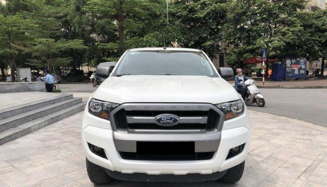 Cần bán xe Ford Ranger XLS, 1 cầu, số tự động sản xuất năm 2016, màu trắng, nhập khẩu nguyên chiếc, giá tốt