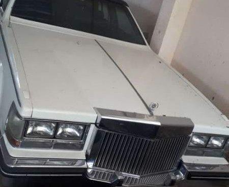 Cần bán xe Cadillac Seville sản xuất năm 1986, màu trắng, nhập khẩu nguyên chiếc