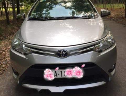 Bán Toyota Vios E 2016, màu bạc