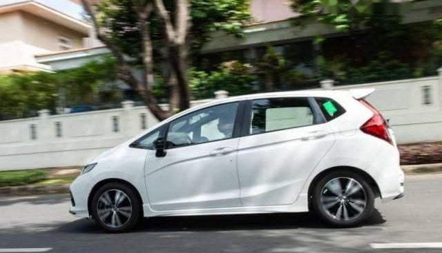 Bán xe Honda Jazz sản xuất 2019, màu trắng, nhập khẩu, giá 594tr