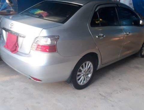 Gia đình bán Toyota Vios đời 2011, màu bạc