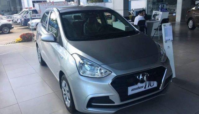 Cần bán Hyundai Grand i10 Base đời 2019, màu bạc