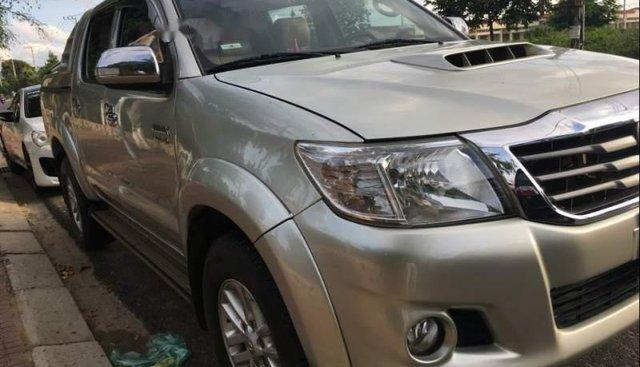 Cần bán Toyota Hilux năm 2014, xe nhập, máy móc gầm bệ tốt