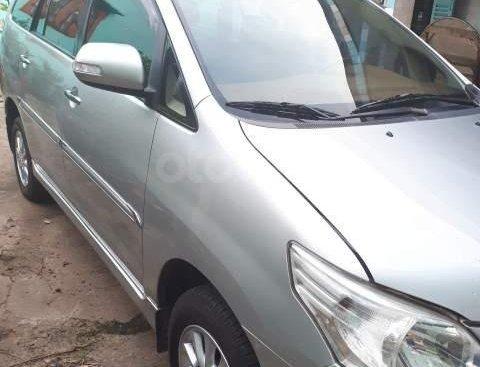 Bán ô tô Toyota Innova đời 2012, màu bạc