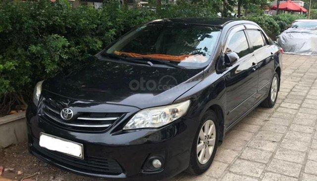 Cần bán gấp Toyota Corolla altis đời 2011, màu đen, xe nhập