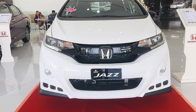 Bán Honda Jazz RS đời 2019, màu trắng, nhập khẩu