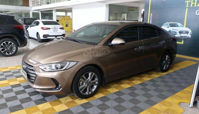 Cần bán xe Hyundai Elantra GLS 1.6AT 2017, màu nâu